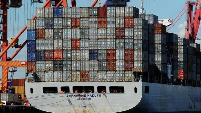 L'Australie a une nouvelle fois enregistré une croissance vigoureuse au deuxième trimestre de l'exercice 2012, à 3,7% sur un an, mais à un rythme moindre, la conjoncture internationale, et le ralentissement de la Chine en particulier, freinant son activité.[AFP]