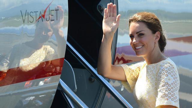 La duchesse de Cambridge quitte les îles Salomon, le 18 septembre 2012, dans le cadre de sa tournée en Asie du Sud-Est et dans le Pacifique, avec son époux le prince William [William West / AFP/Archives]