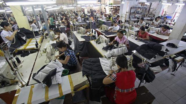 Une usine textile en Birmanie le 27 septembre 2012 [Ye Aung Thu / AFP]