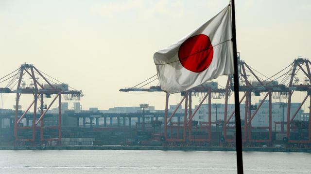 Le drapeau national devant le port de Tokyo le 24 janvier 2013 [Toshifumi Kitamura / AFP/Archives]
