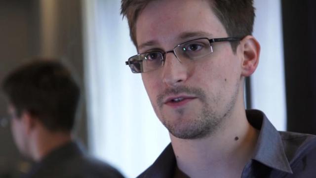 Capture d'écran d'Edward Snowden du 6 juin 2013 lors de son interview au quotidien britannique The Guardian [The Guardian / The Guardian/AFP/Archives]