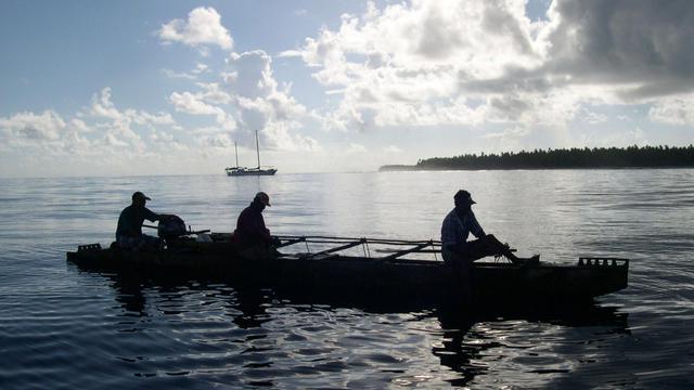 Des pêcheurs au large de l'archipel des Tokelau, en Nouvelle-Zélande [Bill Morris / AFP/Archives]