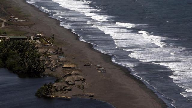 Un séisme majeur de magnitude 7,6 s'est produit mercredi à 14h42 GMT (08h42 heure locale) sur la côte pacifique du Costa Rica.[AGENCIA GUATEMALTECA NOTICIAS]