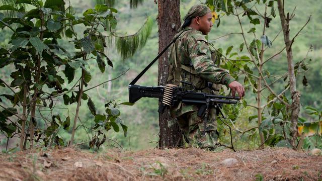 Le gouvernement colombien a nommé mercredi une équipe de négociateurs de haut niveau, dirigée par l'ex-vice-président Humberto De la Calle, pour participer aux pourparlers de paix avec la guérilla marxiste des Farc, prévus à partir d'octobre en Norvège puis à Cuba.[AFP]
