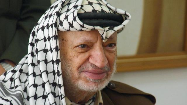 Les ministres arabes des Affaires étrangères ont appelé mercredi l'ONU à ouvrir une enquête sur les circonstances de la mort du dirigeant historique palestinien Yasser Arafat, alors que des juges français enquêtent sur la thèse d'un possible empoisonnement.[PPO]