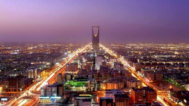 Des dirigeants d'EADS avaient été alertés il y a cinq ans de paiements suspects et de cadeaux faits à la famille régnante en Arabie Saoudite de la part d'une filiale actuellement sous le coup d'une enquête pénale britannique, rapporte le Financial Times mardi.[AFP]