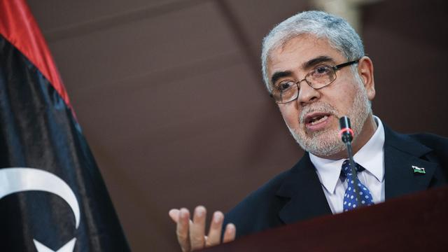 Le vice-Premier ministre du gouvernement sortant, Moustapha Abou Chagour, a été élu mercredi par l'Assemblée nationale libyenne chef du nouveau gouvernement de transition, devançant de peu le libéral Mahmoud Jibril. [AFP]