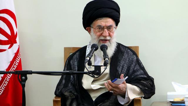 Photo du guide suprême iranien Ali Khamenei, du 23 août 2012, diffusée par son site officiel [ / Site Khamenei Ir/ AFP/Archives]