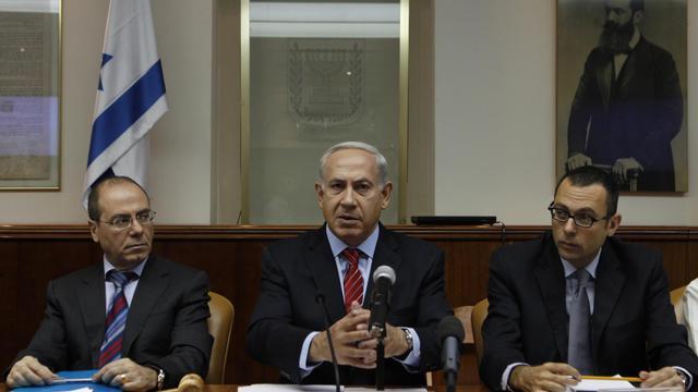 Le Premier ministre israélien Benjamin Netanyahu (c) lors d'un Conseil des ministres, le 2 septembre 2012 à Jérusalem [Baz Ratner / AFP/Archives]