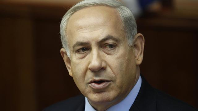 Par son discours va-t-en-guerre sur le nucléaire iranien, qui agace jusqu'à son allié américain, le Premier ministre israélien Benjamin Netanyahu habille ses difficultés à lancer unilatéralement une frappe unilatérale contre Téhéran, estiment des analystes. [POOL]