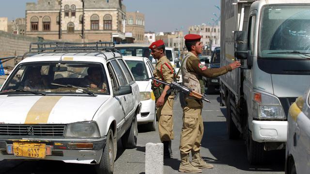 Contrôle de police à Sanaa, le 16 mars 2013 [Mohammed Huwais / AFP/Archives]