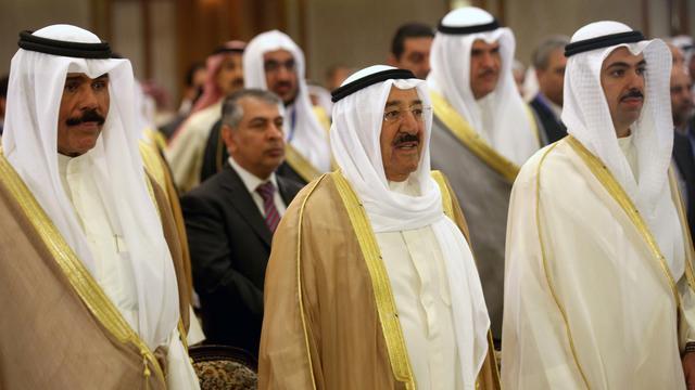 L'émir du Koweït, le Cheikh abah al-Ahmad al-Sabah (c) à Koweït City, le 9 avril 2013 [Yasser al-Zayyat / AFP/Archives]
