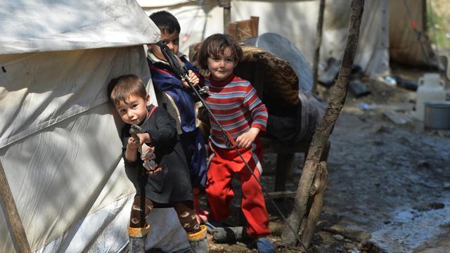 Des enfants dans un camp de réfugiés syriens le 23 avril 2013 à la frontière de la Syrie et de la Turquie [Miguel Medina / AFP/Archives]