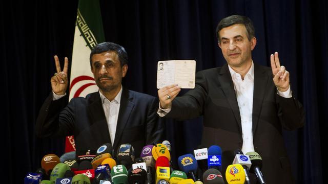 Mahmoud Ahmadinejad et Esfandiar Rahim Mashaïe le 11 mai 2013 à Téhéran [Behrouz Mehri / AFP/Archives]