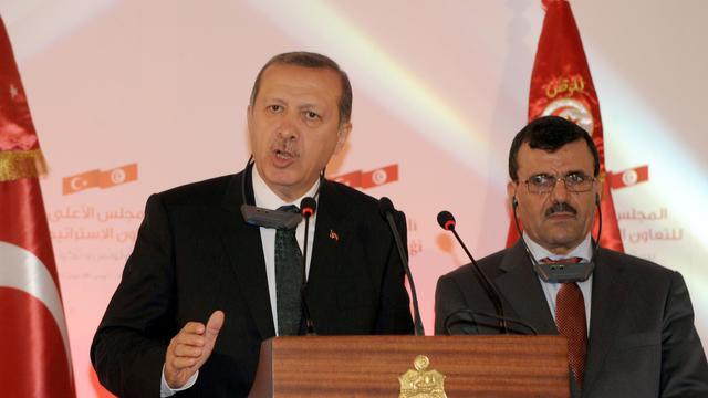 Le Premier ministre turc Recep Tayyip Erdogan (gauche), à Tunis, le 6 juin 2013 [Fethi Belaid / AFP]
