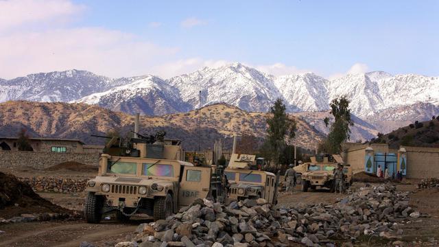 Un convoi de soldats américains en 2006 dans la province afghane de Paktia, dans le sud-est de l'Afghanistan [John D Mchugh / AFP]