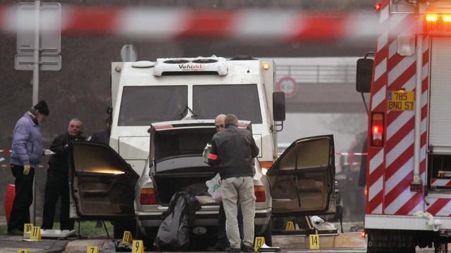 Un fourgon de transport de fonds après un braquage, en 2007 à Metz [Jean-Christophe Verhaegen / AFP/Archives]