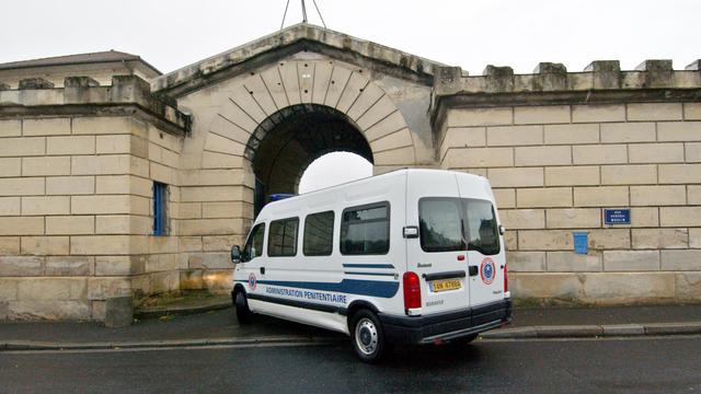 Trois détenus de la maison d'arrêt de Caen de 22, 24 et 34 ans ont été mis en examen pour avoir aidé un quatrième prisonnier, âgé de 26 ans, à s'évader dimanche, a-t-on appris vendredi auprès du parquet. [AFP]