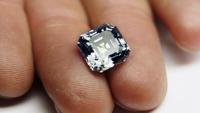 Un Chinois a été arrêté au Sri Lanka après avoir avalé un diamant lors d'une exposition de gemmes à Colombo, a annoncé la police, précisant que le voleur devrait être opéré pour libérer son butin.[AFP]