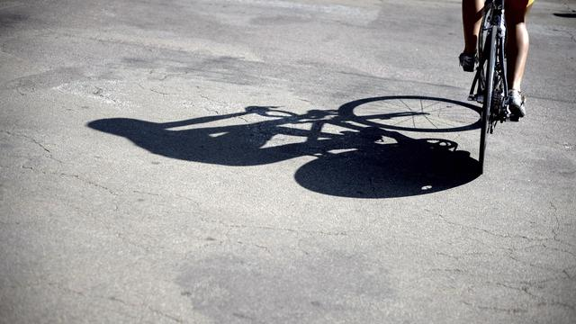 Un cycliste [Jeff Pachoud / AFP/Archives]