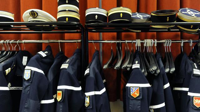 Des uniformes de gendarmes [Thierry Zoccolan / AFP/Archives]