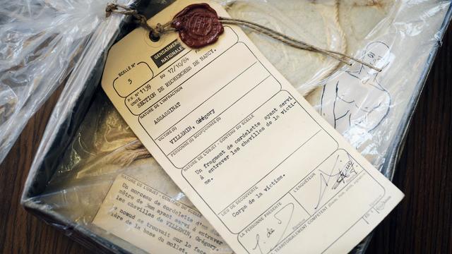 """Vingt-huit ans après l'assassinat du petit Grégory la cour d'appel de Dijon a examiné mercredi à huis clos une nouvelle demande d'expertises des parents Villemin, notamment sur les vêtements de l'enfant et une, """"inédite"""", sur ses chaussures, a-t-on appris auprès du parquet général. [AFP]"""