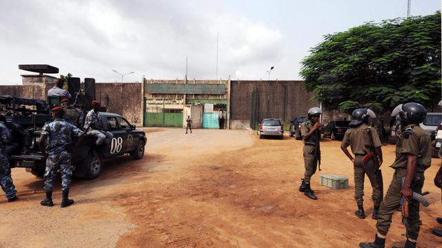 L'armée ivoirienne a été attaquée par des inconnus dans la nuit de mercredi à jeudi à Dabou, ville du sud de la Côte d'Ivoire proche d'Abidjan, et plusieurs dizaines de détenus se sont évadés de la prison.[AFP]