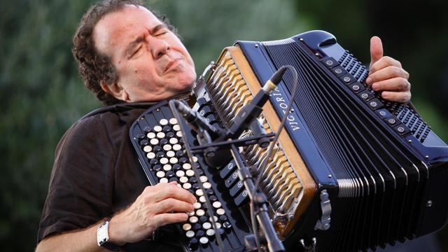 """Klezmer, tango, musique ottomane ou rebetiko : autant de formes d'expression musicale liées aux migrations dans leur évolution et leur métissage que le Festival d'Ile-de-France a choisi de mettre en évidence pour sa 22e édition baptisée """"Diasporas"""" [AFP]"""
