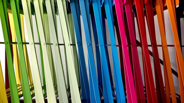Des chaises de jardin le 29 juillet 2009 à l'usine Fermob de Saint-Didier-sur-Chalaronne [Jeff Pachoud / AFP/Archives]