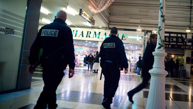 """Saint-Denis (Seine-Saint-Denis), Cayenne (Guyane), les quartiers nord de Marseille mais également Amiens (Somme) ou encore Vauvert (Gard) ont été choisis pour faire partie des """"quinze zones de sécurité prioritaires"""", révèle Le Parisien/Aujourd'hui-en-France samedi.[AFP]"""