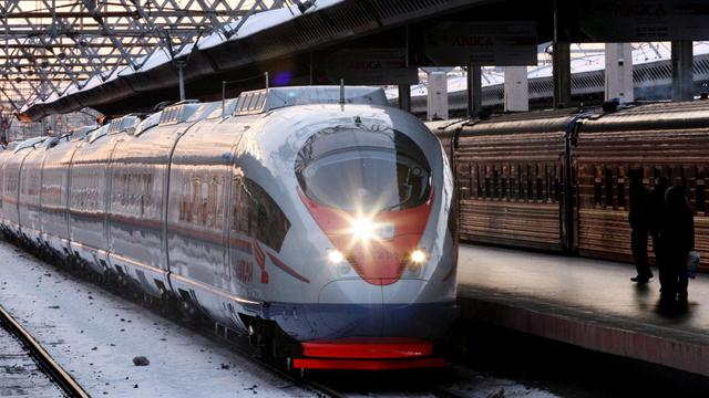 Un Saspan, train à grande vitesse reliant Moscou à Saint-Petersbourg [Kirill Kudryavtsev / AFP/Archives]