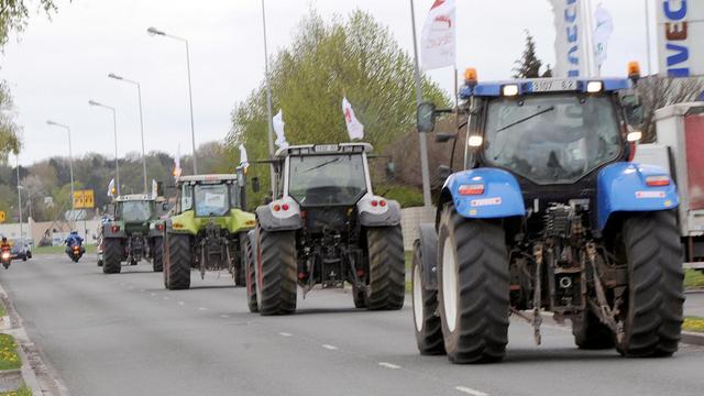 Bruxelles réclame un total de 215 millions d'euros à 13 Etats de l'UE correspondant à des dépenses irrégulières effectuées par ces Etats, dont la France, au titre de la politique agricole commune (PAC), a annoncé vendredi la Commission européenne. [AFP]