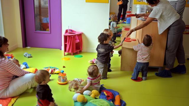 Des enfants dans une crèche.