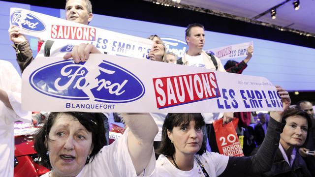 Le constructeur automobile américain Ford s'engage à maintenir au moins 1.000 emplois dans son usine de Blanquefort en Gironde, a annoncé son vice-président industriel pour l'Europe Jeff Wood, à l'issue d'un comité de pilotage (Copil) à la préfecture. [AFP]