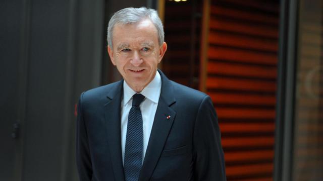 Le patron du groupe de luxe français LVMH, Bernard Arnault, a informé à la fin de l'année 2011, soit avant l'élection présidentielle, le maire d'une commune chic de Bruxelles qu'il souhaitait s'y installer. [AFP]