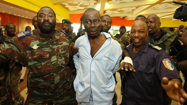 Le général Dogbo Ble Brunot (c), le 15 avril 2011 à Abidjan [ / AFP/Archives]