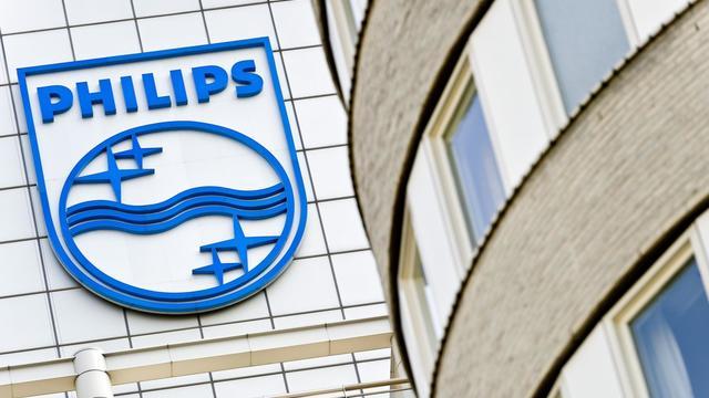 Le géant néerlandais de l'électronique Philips a annoncé mardi accentuer son programme de réduction des coûts, dont le montant passe de 800 millions d'euros à 1,1 milliard d'euros, entraînant 2.200 suppressions d'emplois. [ANP]