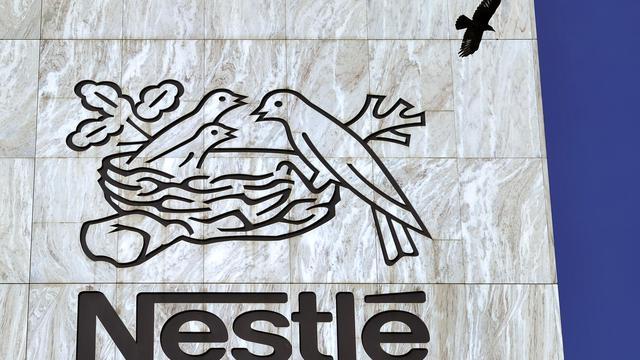 Le géant suisse de l'alimentaire Nestlé a subi jeudi une nouvelle défaite judiciaire dans sa lutte pour préserver son monopole des dosettes compatibles avec ses machines à café Nespresso, cette fois-ci en Allemagne.[AFP]