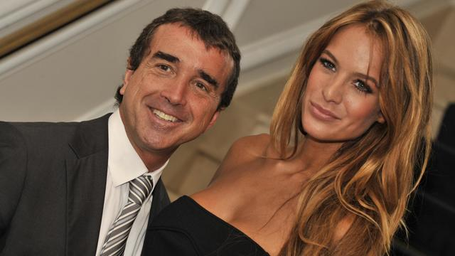 Arnaud Lagardère et sa compagne Jade Foret, le 17 octobre 2011 à Bruxelles [Georges Gobet / AFP/Archives]
