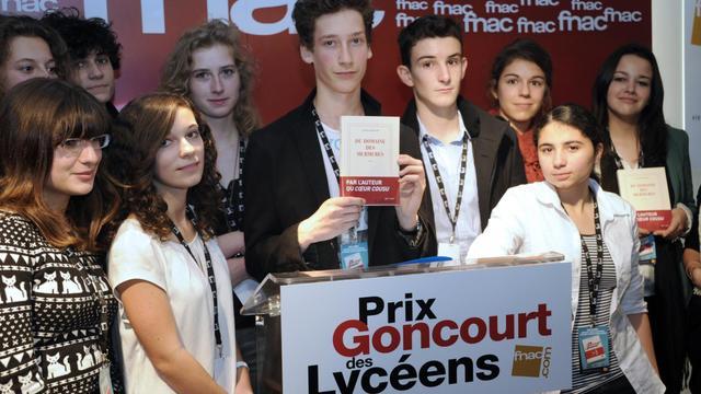 """Le Goncourt des lycéens, qui fête ses 25 ans, a retenu les mêmes prétendants que l'Académie Goncourt dans sa première sélection, à l'exception de Mathias Enard, auteur de """"Rue des voleurs"""", déjà couronné par les élèves en 2010, ont annoncé mercredi les organisateurs.[AFP]"""