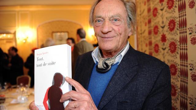 Philippe Tesson, président du jury du prix Interallié présente le lauréat 2011, Tout tout de suite, de Morgan Sportes, le 16 novembre 2011 à Paris [Mehdi Fedouach / AFP/Archives]