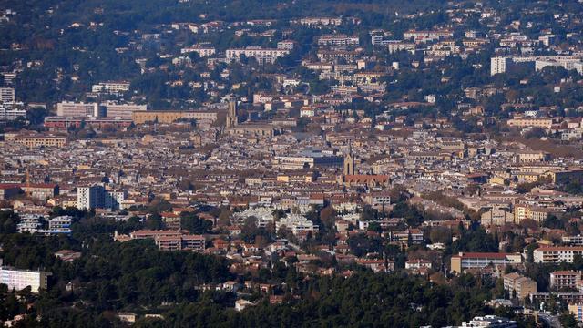 La métropole que le gouvernement veut mettre en place pour redresser Marseille fait figure d'épouvantail pour les intercommunalités voisines qui, soucieuses de leurs deniers comme de leurs prérogatives, renvoient l'Etat à ses responsabilités. [AFP]