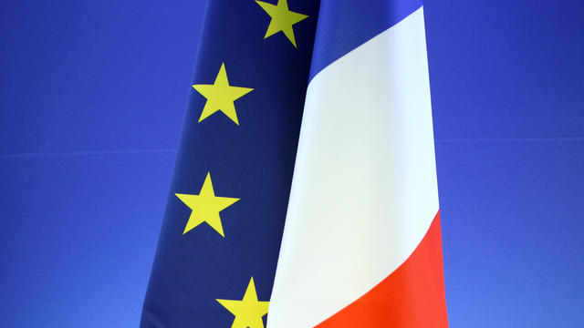 Les drapeaux de l'Union européenne et de la France [Jacques Demarthon / AFP/Archives]