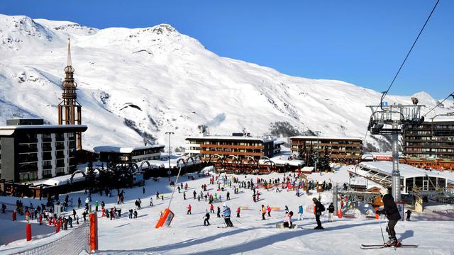 Les pistes de ski françaises ont été l'hiver dernier les plus fréquentées du monde grâce à un bon enneigement dans les Alpes du nord qui a permis à l'Hexagone de reprendre la première place devant les Etats-Unis pour la première fois depuis trois ans.[AFP]