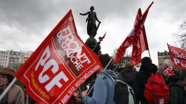 Des supporters du PCF et du Front de Gauche place de la Bastille, le 18 mars 2012 à Paris [Thomas Coex / AFP/Archives]