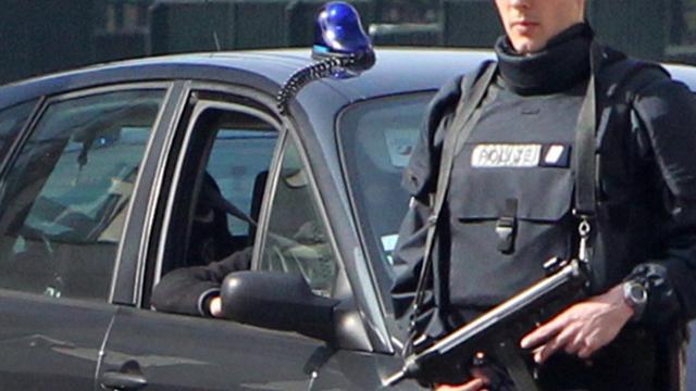 """Abdelkader Merah, le frère du """"tueur au scooter"""" mis en examen et écroué dans l'enquête sur les tueries de Toulouse et Montauban, sera entendu lundi par les juges d'instruction chargés de l'enquête.[AFP]"""
