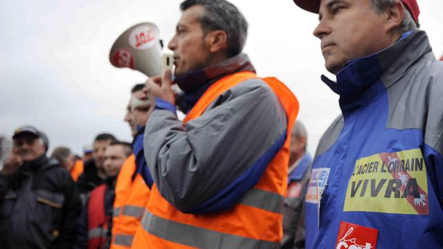 La CFDT d'ArcelorMittal craint la fermeture de la filière liquide à Florange dans les prochaines semaines, après que la direction a refusé lundi, selon le syndicat, de démentir la possibilité d'un plan social sur ce site mosellan. [AFP]