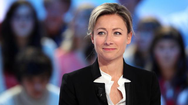 La journaliste Anne-Sophie Lapix, le 20 avril 2012 sur le plateau du Grand Journal de Canal Plus, à Paris [Alexander Klein / AFP/Archives]