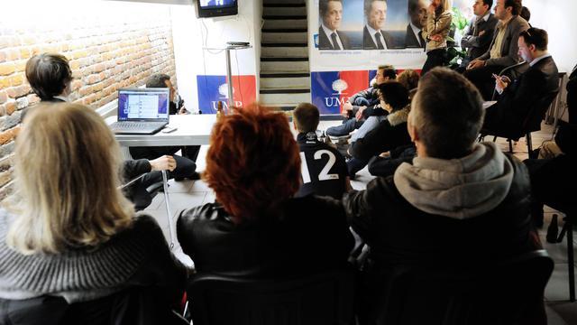 Des militants de l'UMP lors du débat de l'entre deux tours lors de l'élection présidentielle, le 2 mai 2012 à Lille [Denis Charlet / AFP/Archives]