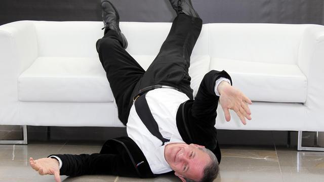 """L'acteur Francis Huster le 11 juin 2012 à Monaco, qui joue dans """"La Peste"""" d'après le roman de Camus, diffusée les 15 et 16 novembre au cinéma [Valery Hache / AFP/Archives]"""